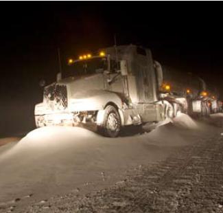 Bild på lastbil som kört av vägen
